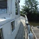 Deep safe ,wide side decks - idea when underway and for pets and children