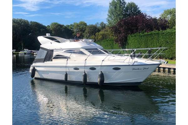 Sheerline 1050 Flybridge